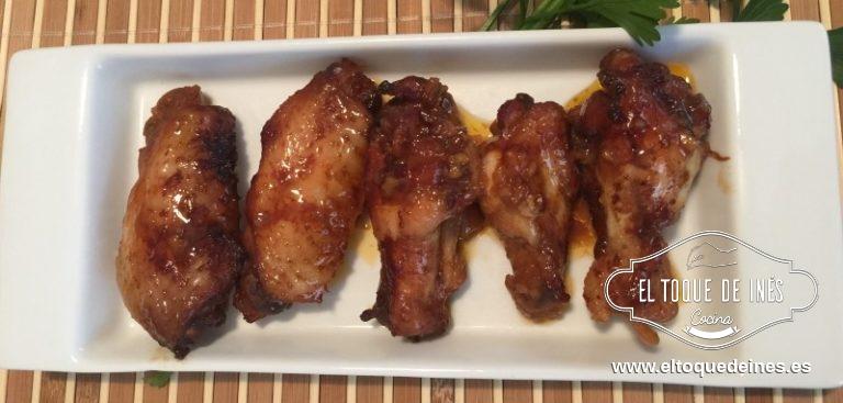 Servir calientes acompañadas de un arroz blanco o un puré de patata .  Echáis un poco de salsa sobre el puré o el arroz y os aseguro que os encantará.