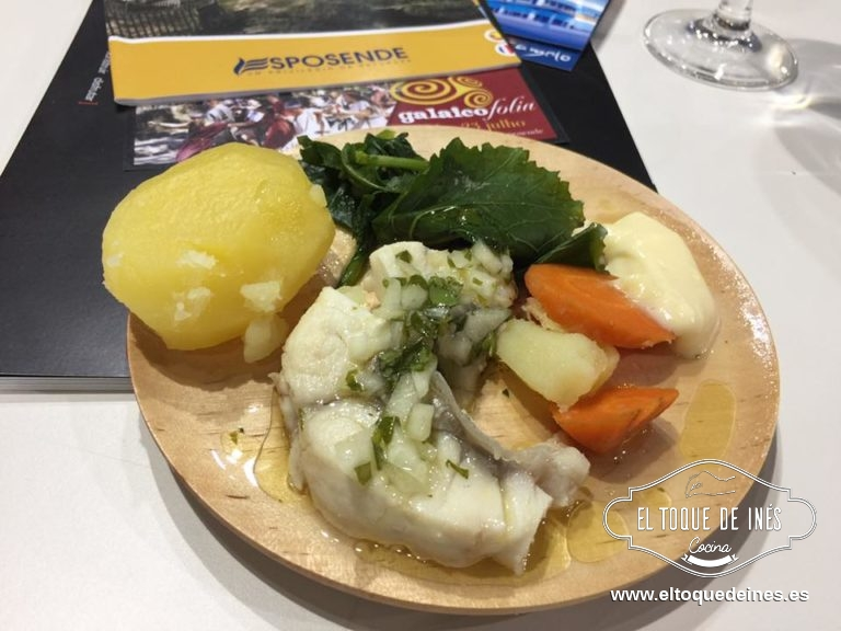 Al finalizar fuimos al Showcooking del Restaurante Camelo, en Esposende, en Portugal; probamos un rico róbalo acompañado de grelos, patata, zanahoria y un toque de mahonesa.