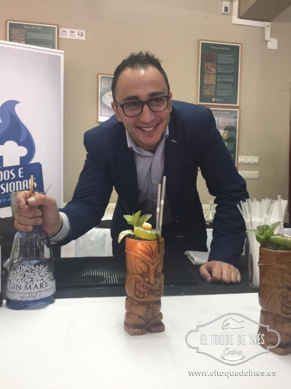 Gracias a Willy, nos dio una  clase magistral de coctelería, tiene varios premios a nivel internacional.