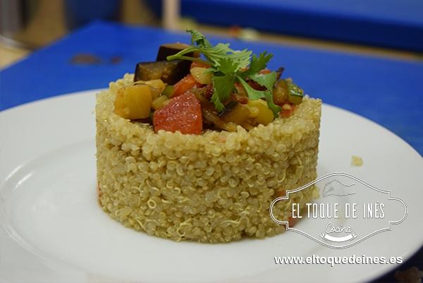 Unos de mis platos...quinoa con salteado de verduras.
