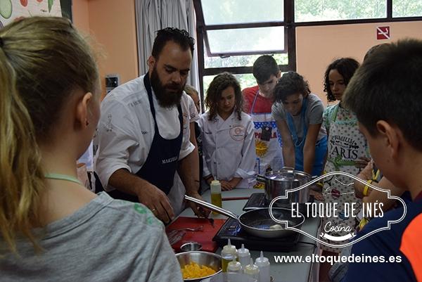 Gracias a Hugo, Almudena, Luis y Vanesa porque nos enseñaron muchísimas cosas.