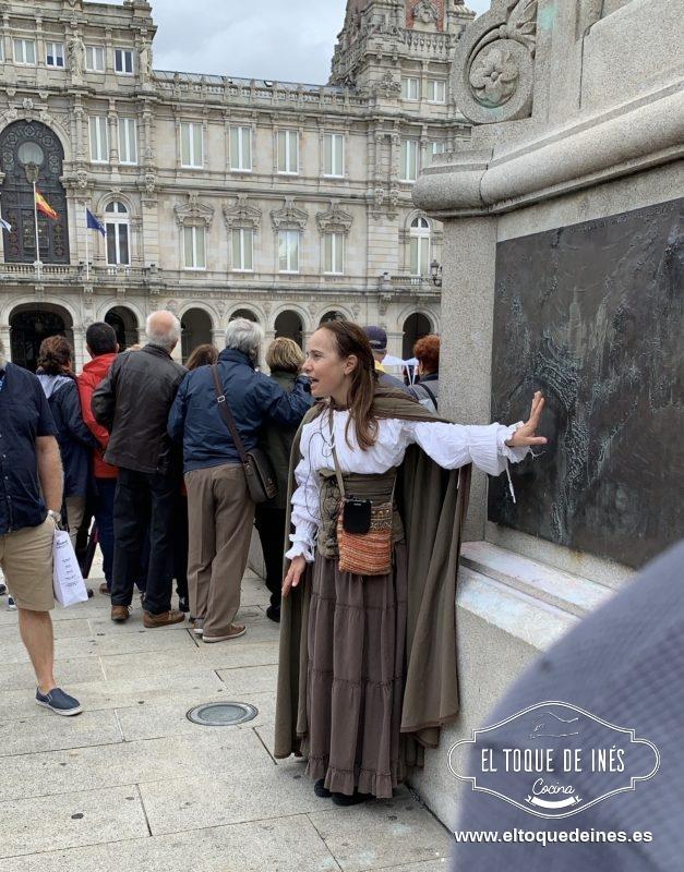 Tras el chocolate le fuimos a dar a la pata un poco, gracias al Ayuntamiento de A Coruña y Turismo Coruña conocimos la historia de María Pita.