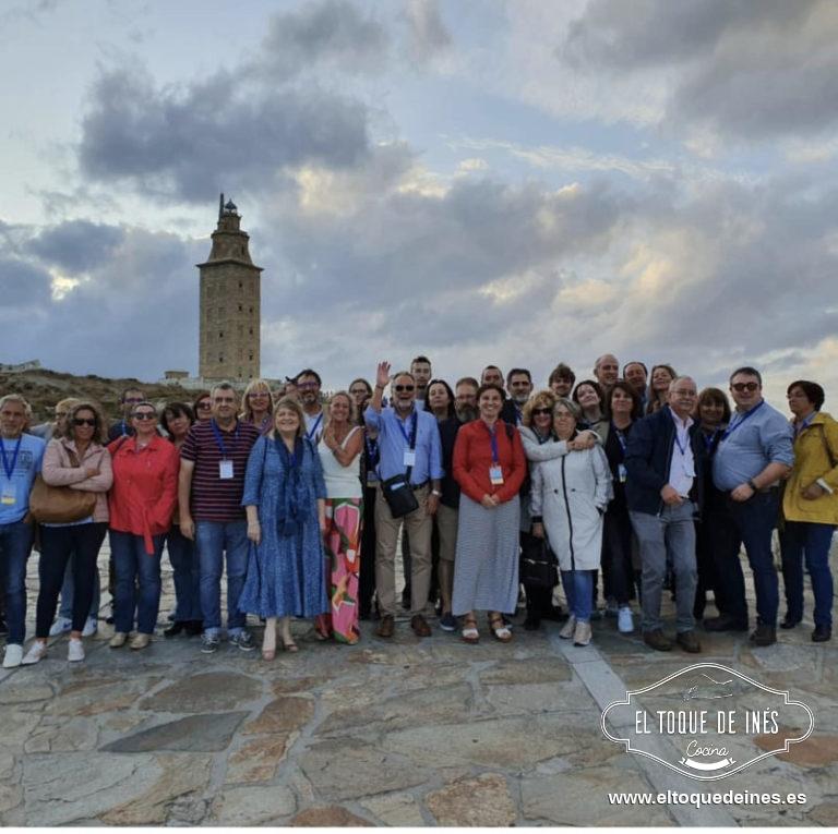Finalizada la comida nos vino a recoger un autobús para llevarnos a visitar la zona de la Torre de Hércules y el Monte de San Pedro, monumentos entre los destacados de la ciudad de A Coruña.