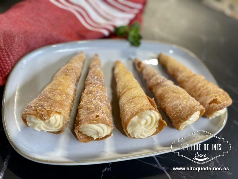 Ya solo queda meter la crema en una manga pastelera con la boquilla que queráis y rellenar las cañas que vamos a consumir.